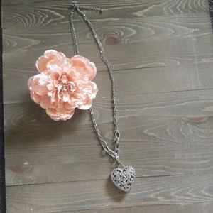 Silver-toned Heart pendant necklace